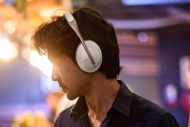 Bose 700 headphones in Arctic White