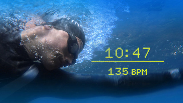 Form smart goggles in use for open water swimming
