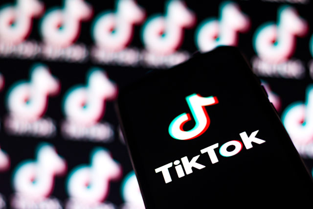 BRAZIL - 2020/08/07: In this photo illustration a TikTok logo seen displayed on a smartphone. (Photo Illustration by Rafael Henrique/SOPA Images/LightRocket via Getty Images)