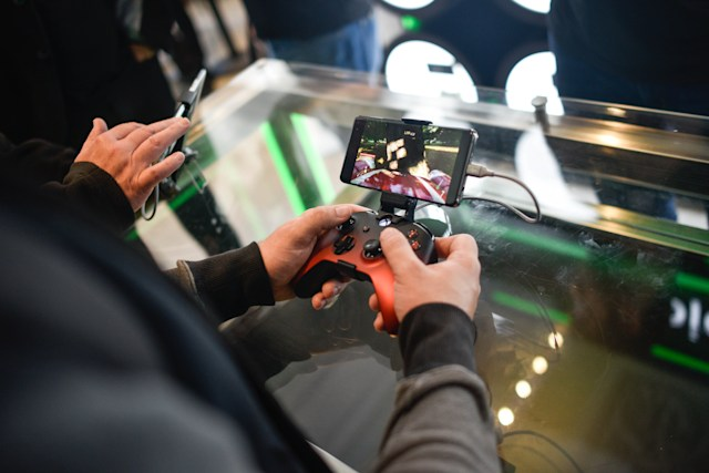 LONDON, ENGLAND - JULY 11: A customer plays on an Xbox xCloud device at the Microsoft store opening on July 11, 2019 in London, England. Microsoft opened their first flagship store in Europe this morning, August 11. (Photo by Peter Summers/Getty Images)