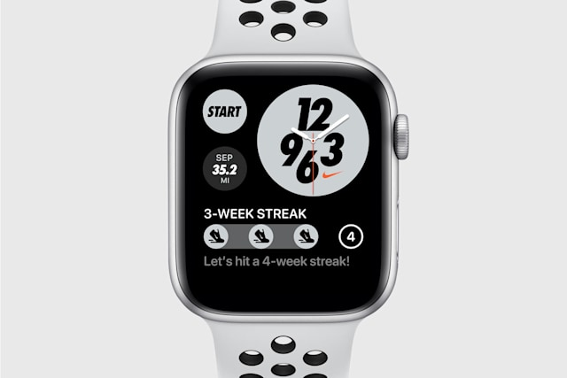 Apple Watch Nike with Nike Run Club streak complication