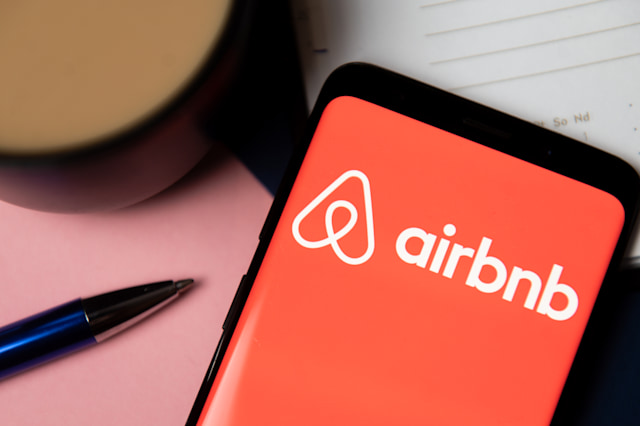 POLAND - 2020/10/06: In this photo illustration Airbnb logo displayed on a smartphone. (Photo Illustration by Mateusz Slodkowski/SOPA Images/LightRocket via Getty Images)