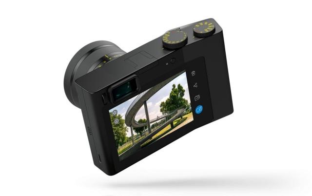 كاميرا زايس ZX1