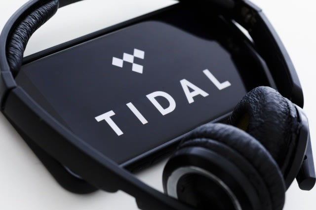 BERLIN, GERMANY - JANUARY 16: In this photo illustration the logo of the music streaming service Tidal ( TIDALHiFi ) is displayed on a smartphone on January 16, 2019 in Berlin, Germany. (Photo by Thomas Trutschel/Photothek via Getty Images)