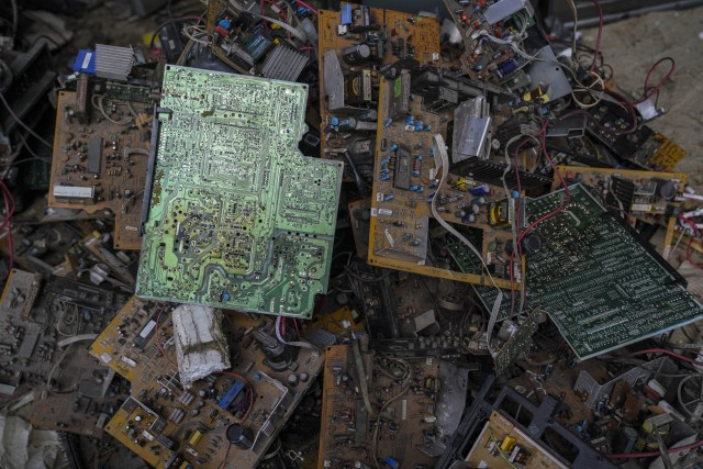 DHAKA, BANGLADESH - 2020/09/14: Old TV components are discarded inside at a TV recycling scrap yard in Dhaka. (Photo by Zabed Hasnain Chowdhury/SOPA Images/LightRocket via Getty Images)