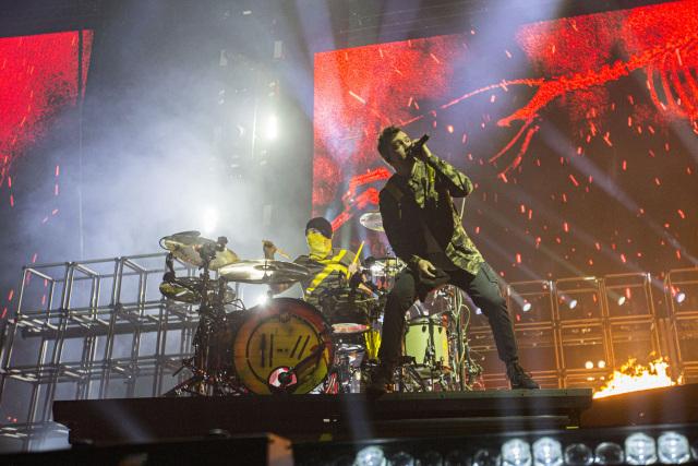 SAN DIEGO, CALIFORNIA - NOVEMBER 05: Musicians Josh Dun (L) and Tyler Joseph of Twenty One Pilots perform on stage at Pechanga Arena on November 05, 2019 in San Diego, California. (Photo by Daniel Knighton/Getty Images)