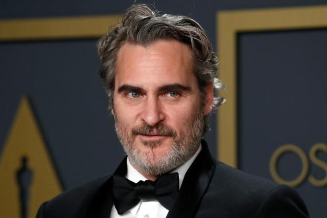 ホアキンフェニックスは、92年9月2020日、米国カリフォルニア州ロサンゼルスのハリウッドで開催された第XNUMX回アカデミー賞で、写真室で「ジョーカー」の主演男優賞を受賞しました。ロイター/ルーカスジャクソン