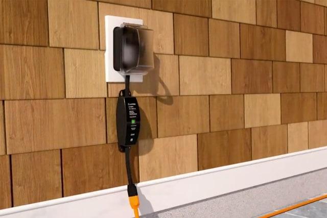 Lutron Caseta Outdoor Smart Plug