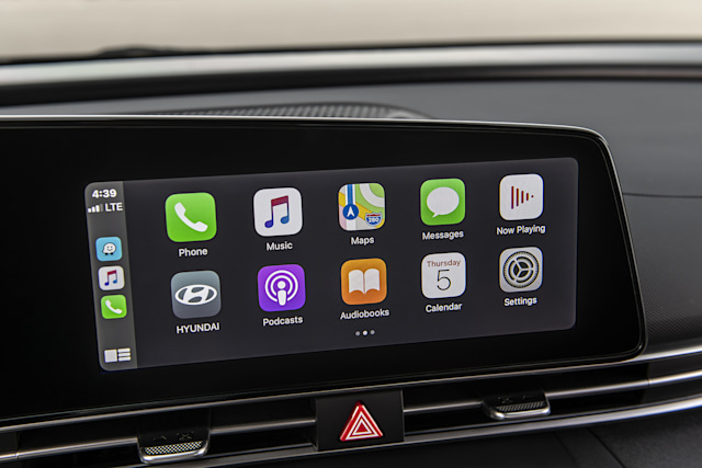 Apple CarPlay on 2021 Hyundai Elantra