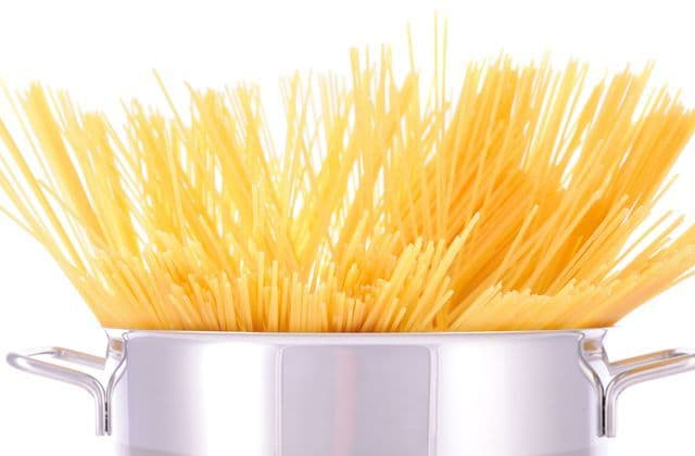 Cooking Pasta In Cold Water vs. Boiling Water: Which Is Better?