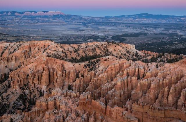 Tour bus crash near national park in Utah kills 4