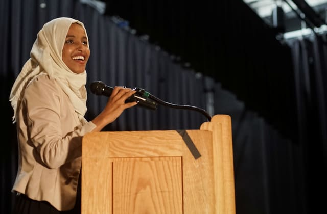Hero's welcome for Rep. Ilhan Omar after Trump attacks