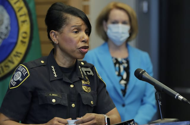 Seattle's top cop abruptly retires after key vote