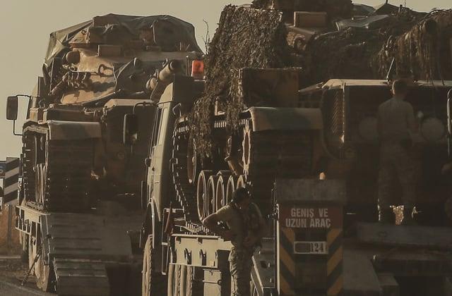 U.S. troops fleeing Syria amid Turkish attacks on Kurds