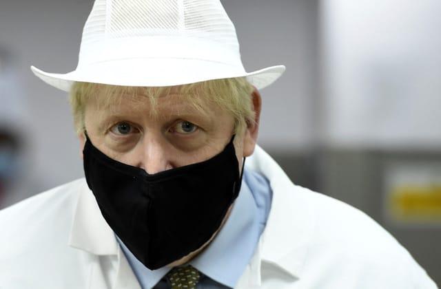Johnson bows to scientific advisers