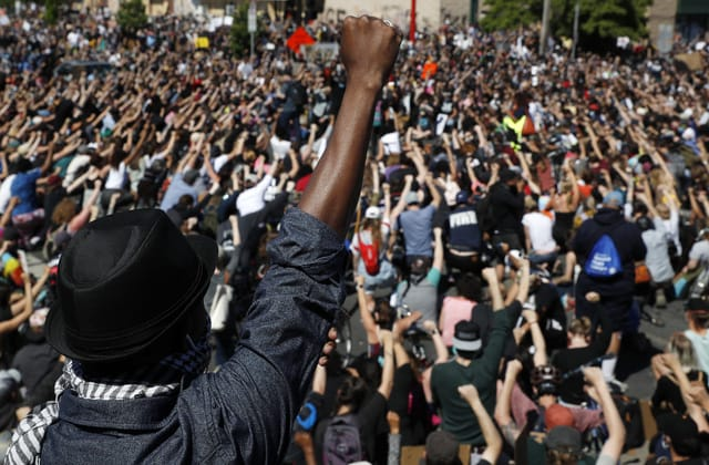 Anger over police killings shatters U.S.: 'We're sick of it'