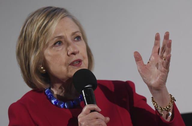Clinton: Russia will back long-shot Dem to help Trump
