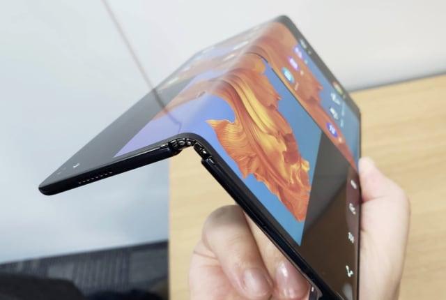 ファーウェイ、折りたたみ画面スマホMate Xを9月に延期。Galaxy Fold破損を受け追加テスト実施