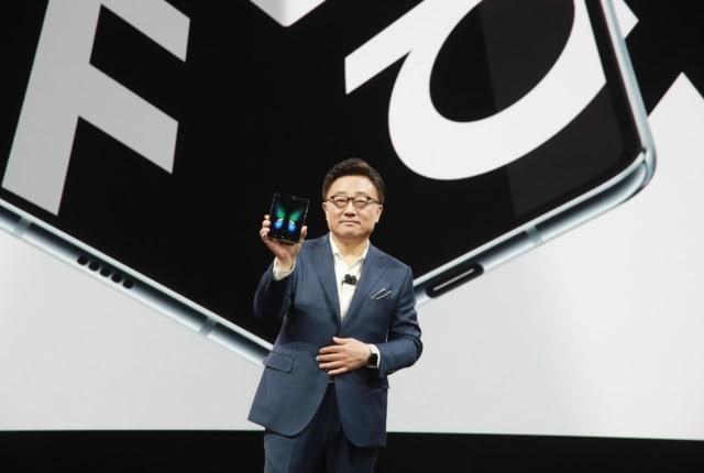 三星手机总裁承认 Galaxy Fold 「未准备好就推出了」