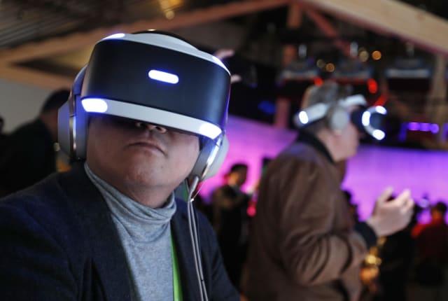 Sony 想要以震動反饋手套來提升 PS VR 的沉浸感