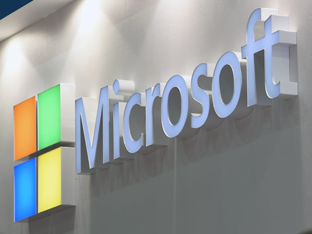 Microsoft teases a 'modern OS' with 'seamless updates'