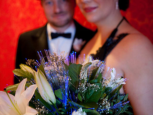 Cold Feet wedding bouquet responds to your nerves on the big day ...