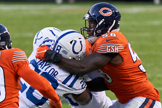 CHICAGO, IL - OCTOBER 04: Chicago Bears Linebacker Roquan Smith (58) tackles Indianapolis Colts Running Back Jonathan Taylor (28) in game action during a NFL game between the Chicago Bears and the Indianapolis Colts on October 4th, 2020, at Soldier Field in Chicago, IL.  (Photo by Robin Alam/Icon Sportswire via Getty Images)