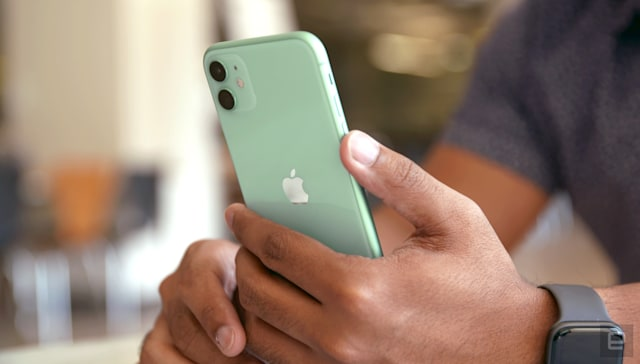 Apple iPhone 11 back in green
