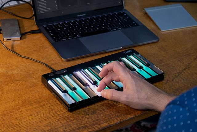 Roli Lumi Keys Studio Edition keyboard