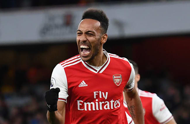 Aubameyang double helps Arsenal to back-to-back wins