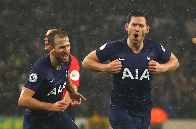 Vertonghen wins points for Spurs with late header