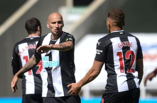 Shelvey strikes as Newcastle twice battle back to draw