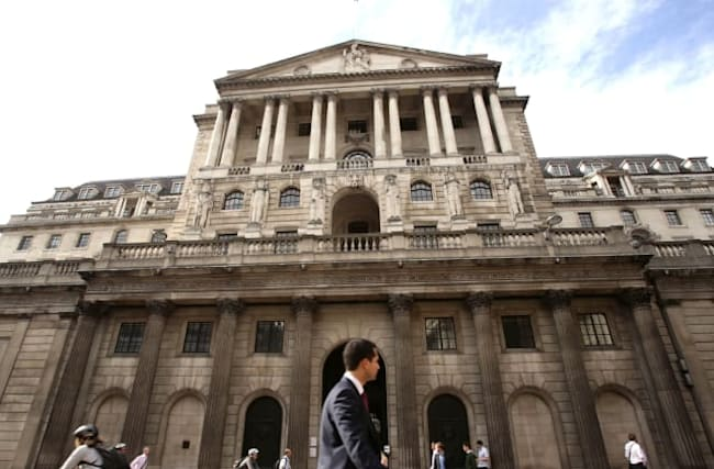 Bank warns of uncertainty as interest rates held