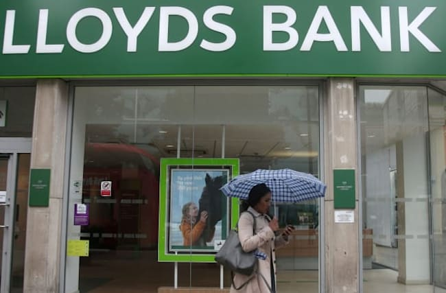 Lloyds to axe around 780 branch jobs in latest cull