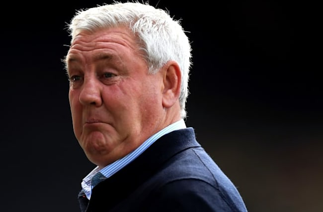 Bruce fumes at VAR as Deeney double sinks Newcastle
