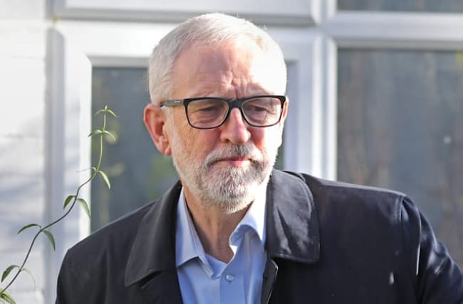 Corbyn apologises for Labour's election 'body blow'