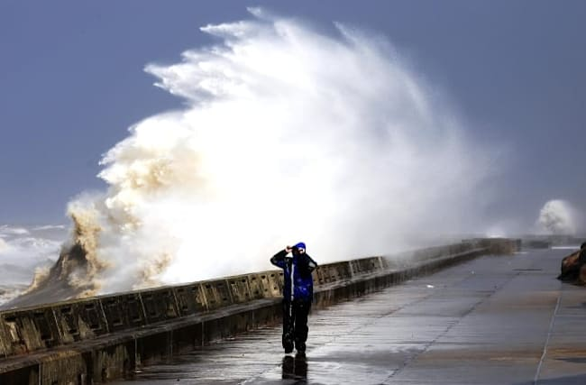 Met Office issues storm warning for the weekend