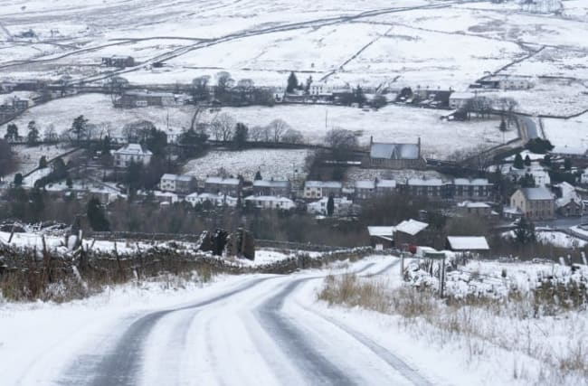 Warning issued as snow and sleet in northern England