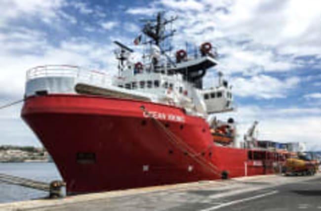 """Suizidversuche auf Rettungsschiff """"Ocean Viking"""""""