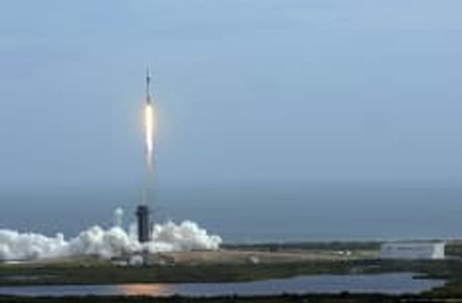 SpaceX: Rakete explodiert nach Start – und besteht Test