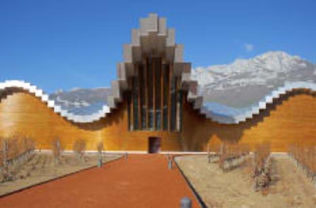 Wo die abgefahrensten Weingüter Spaniens stehen