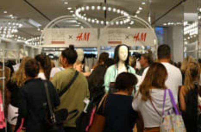 Fast Fashion: So stark belastet Billigmode die Umwelt