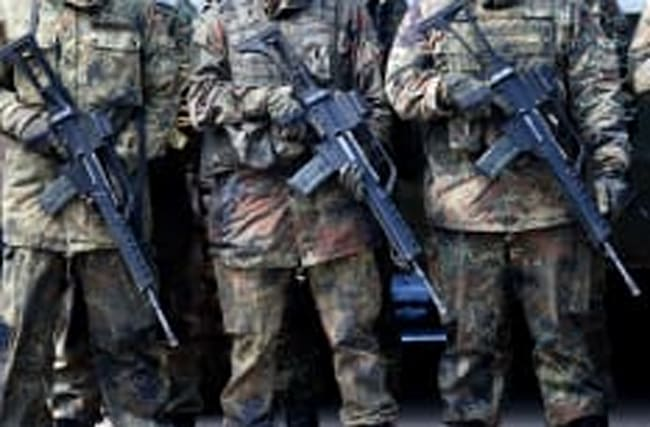 Europa kauft immer mehr Waffen: Und die USA profitieren