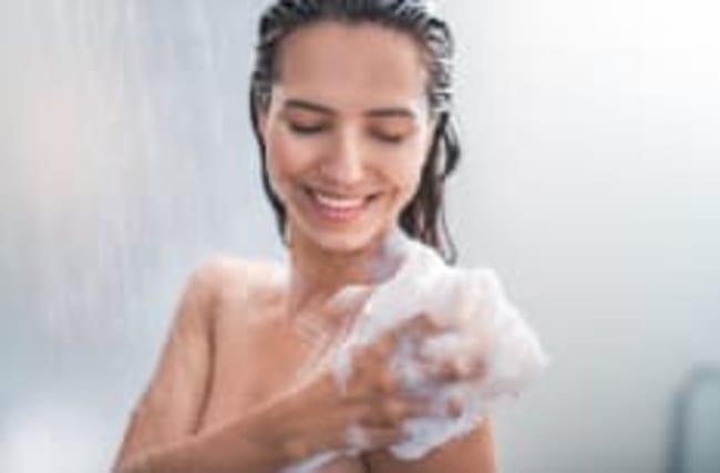 Ekliger Duschfehler: Was wir machen, aber nicht sollten