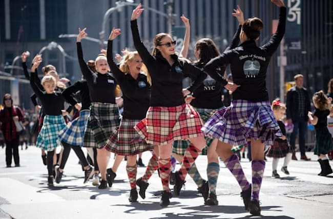 Actor Brian Cox to lead New York City Tartan Day Parade