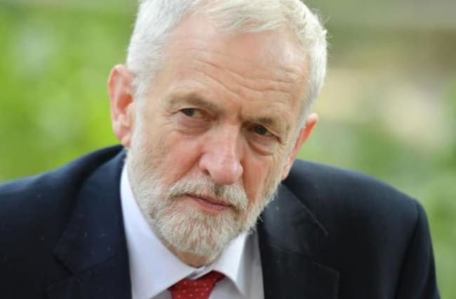 Corbyn tells PM to 'wise up' on Brexit and backs Remain