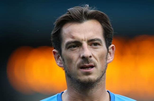 Baines signs Everton extension