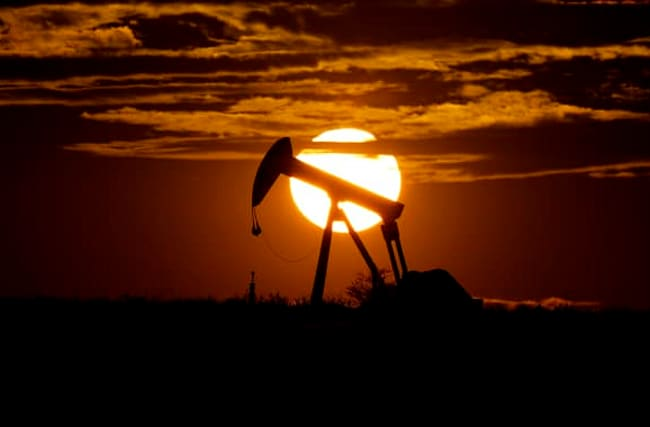 Global deal to cut oil output in sight after Mexico signs up