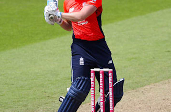 Knight leads England to convincing victory over Pakistan