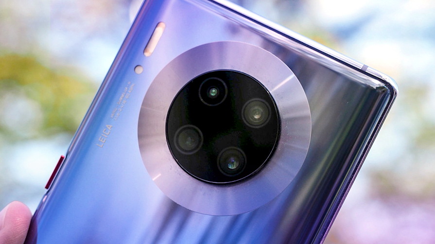 Huawei's Mate 30 Pro is a powerful camera in an almost-Android phone